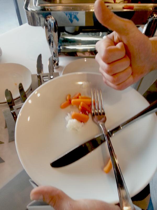 Kto nieskoro (na czas posiłku) przychodzi, sam sobie szkodzi